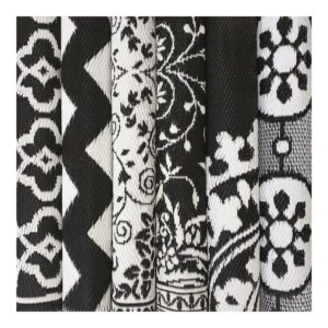 1-VI-PO-RU-alfombra-plastico-exterior-blanco-negro-casaazul
